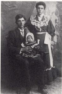 Auguste, Anna et le petit Arsène Revet