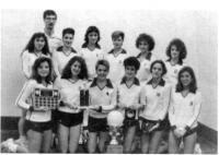 Équipe féminine de balon-volant au Collège Mathieu