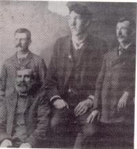 Jean-Louis Légaré (assis), Prudent Lapointe, Edouard Beaupré et Gaspard Beaupré