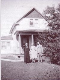 Joseph et Cécile avec le frére Alban Mélançon