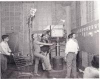 L'équipe technique dans le studio de CFQC-TV