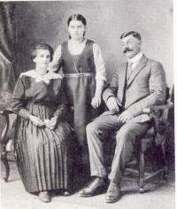 Laura Gaudet, sa fille Georgine et son mari