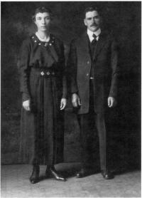 Photo de mariage de Jules Ménard et de Marguerite Pérault