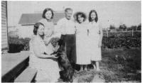 Roch Lefebvre avec sa famille et Mlle Chevalier de St-Brieux